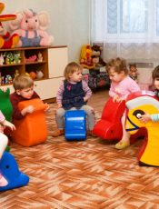 Погодинний догляд за дітьми у Вишгороді